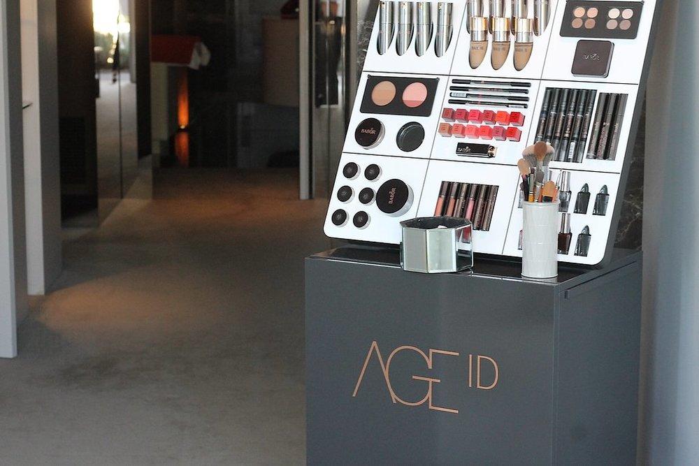 Linha de maquiagem Age ID
