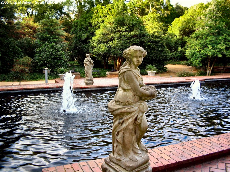 statues-and-pool-fountains.jpg