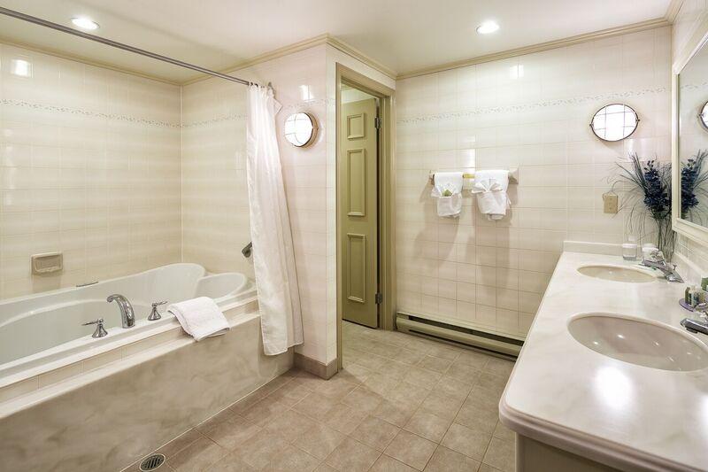 Bath Suite 302