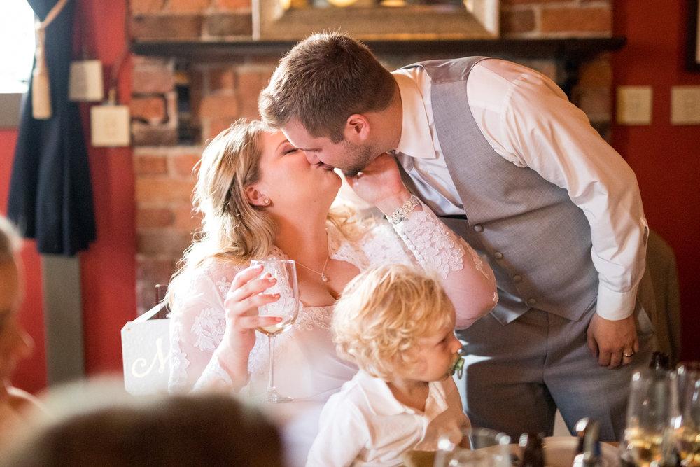 alyssa_chris_wedding_web (32 of 42).jpg