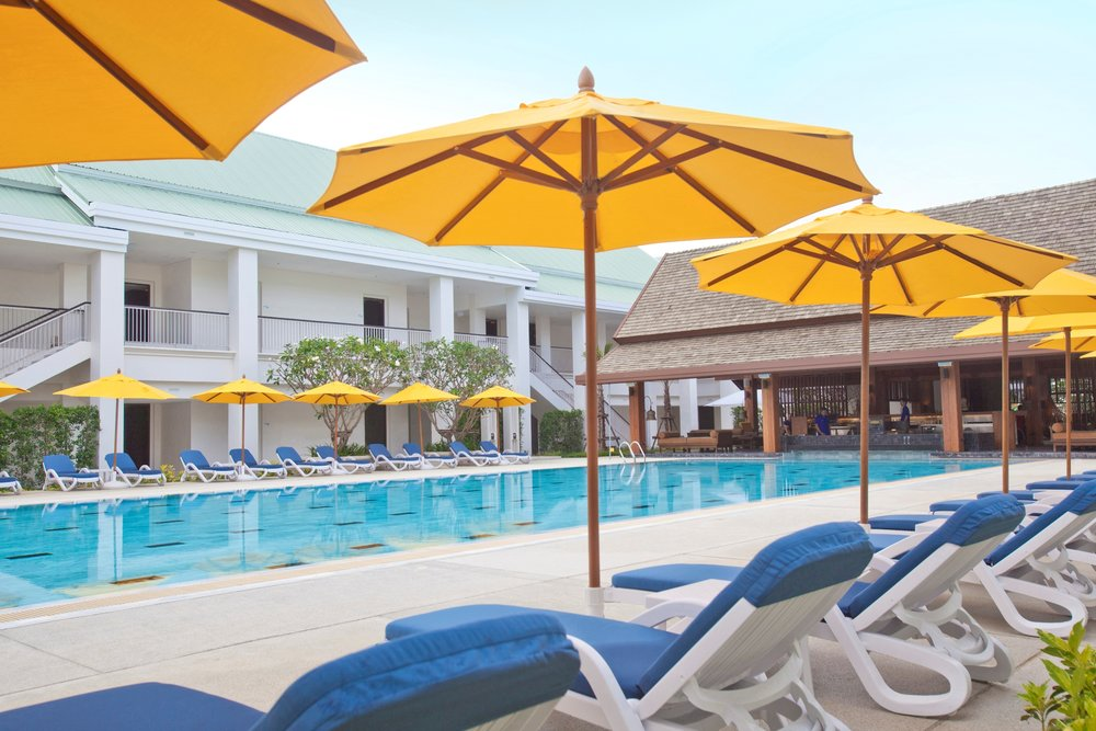 Sports Hotel - Pool 2.jpg