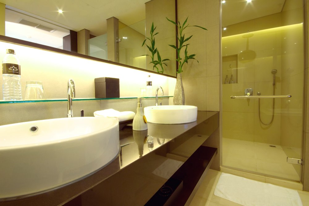 Suite Pool Wing - Bathroom (23).jpg