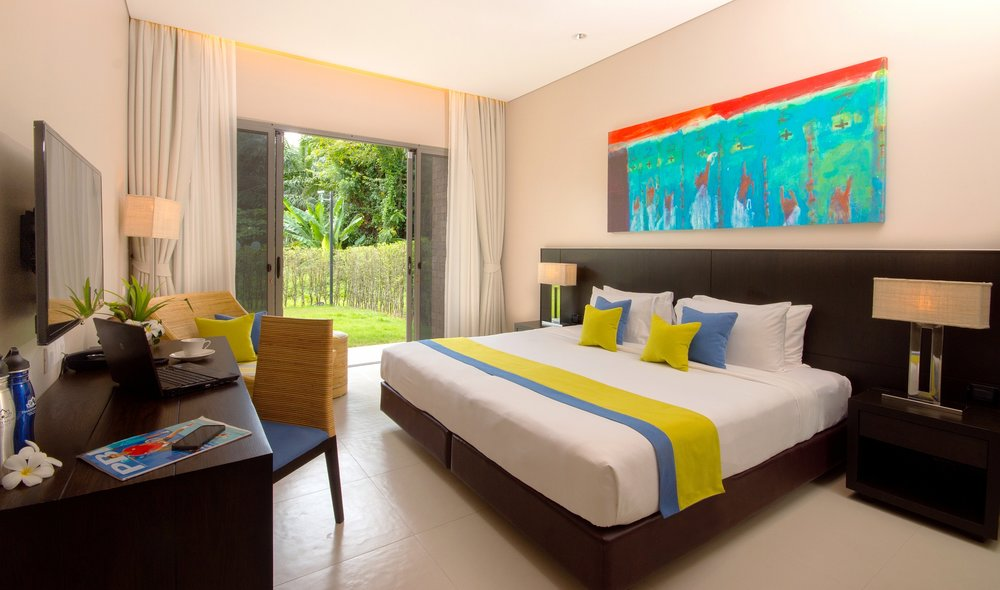 Suite Pool Wing - Double Bedroom (06).jpg