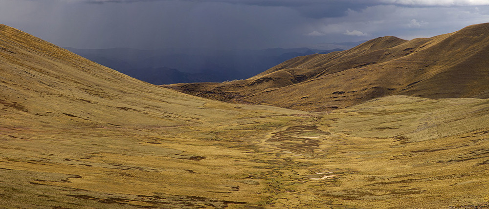 Cusco North Hills Plains.jpg
