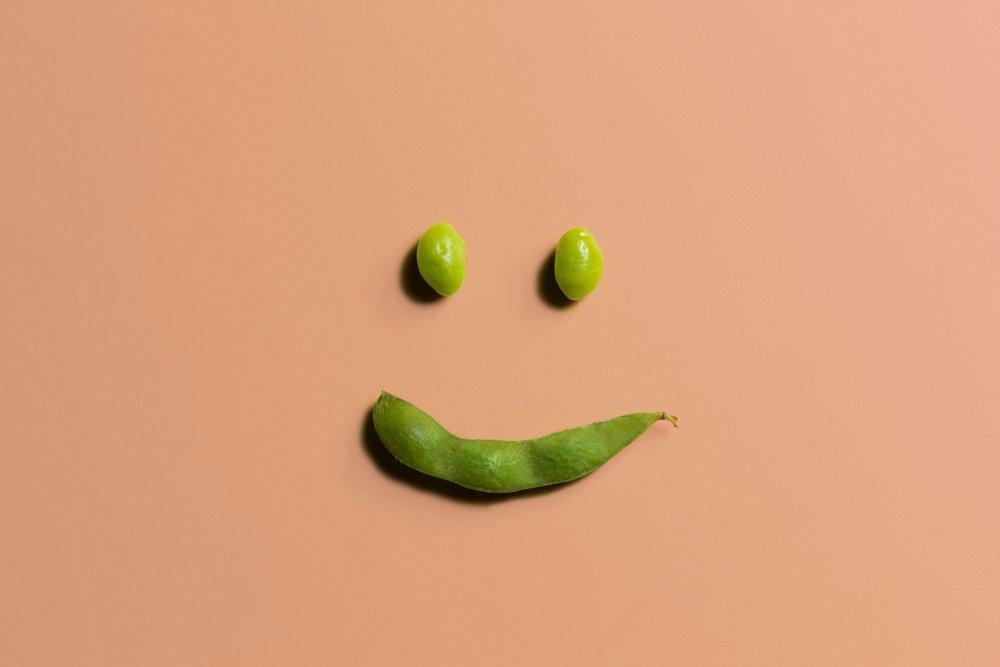 smiling-edamame-soy-bean_t20_1J30GO.jpg