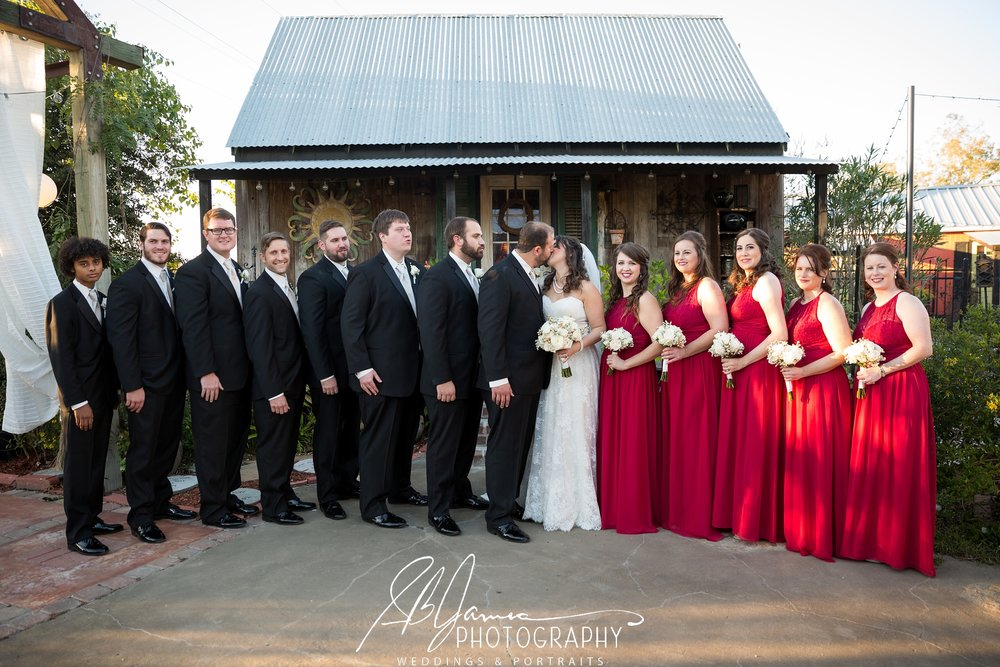 New Orleans, Baton Rouge, bride, groom, wedding, gonzales, baton rouge photographer wedding bride groom  gonzalesphotography gonzalesphotographer louisianaphotographer lousianaphotography  bridalparty bridesmaid groomsmen reception weddingphotos