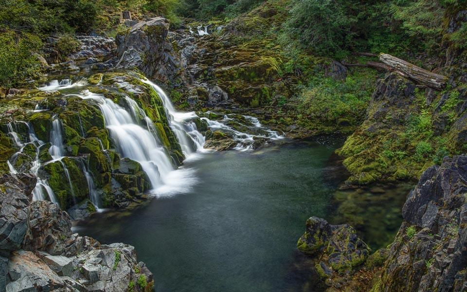 Cascada de los Ninos