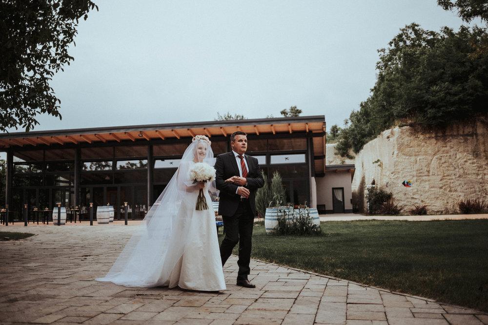 20170616_Kamilla+Peti_wedding_w_068__MG_8194_1.jpg