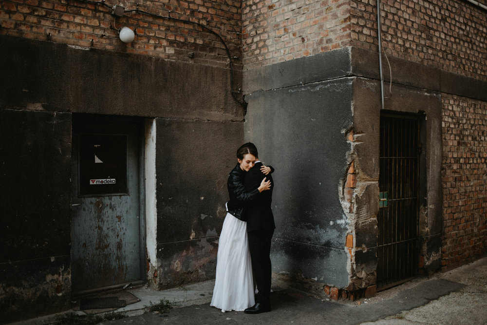 1826-Moni+Szabi-wedding-343-w.jpg