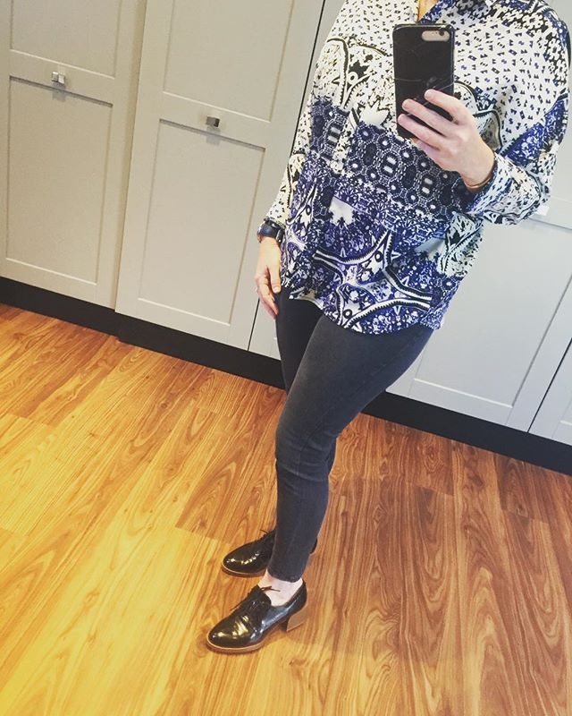 Some print to get the week started... #laudayimage  #fashion #print #brogues #denim