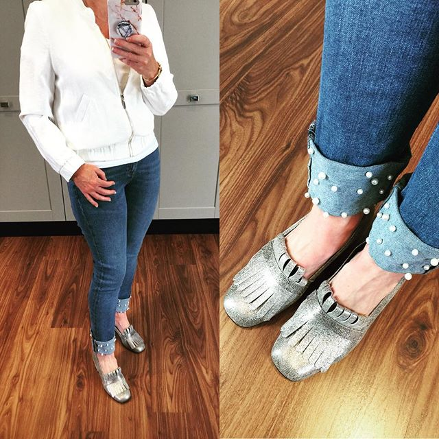 Loving the pearl detail... jeans @zara shoes @dune_london_sa  jacket @riverisland  #white #denimwithpearls #silvershoes #laudayimage #fashion