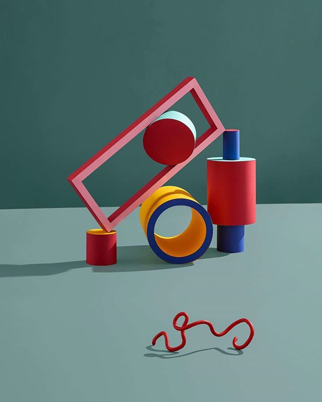 Last image in a series about playful shapes and playgrounds. Photography by @nick.dunne retouched by @pinkstudious. . . . . . . #playground #art #sculpture #design #photography #graphicdesign #architecture #artwork #paper #papercraft #stylist #setdesign #play #illustration #fineart #craft #nikon #artdirection #broncolor #papercutting #creativedirection