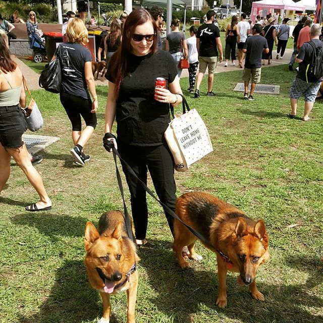Took @the_real_housedogs_of_woywoy  to their third @aliveplantbasedfestival today! What a great festival. No food photos (morning sickness was bad), just me and the bestest girls 🐕🐕