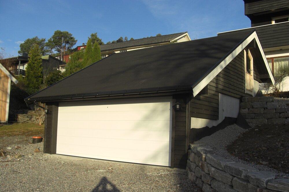 Nybygg av arkitekttegnet garasje.