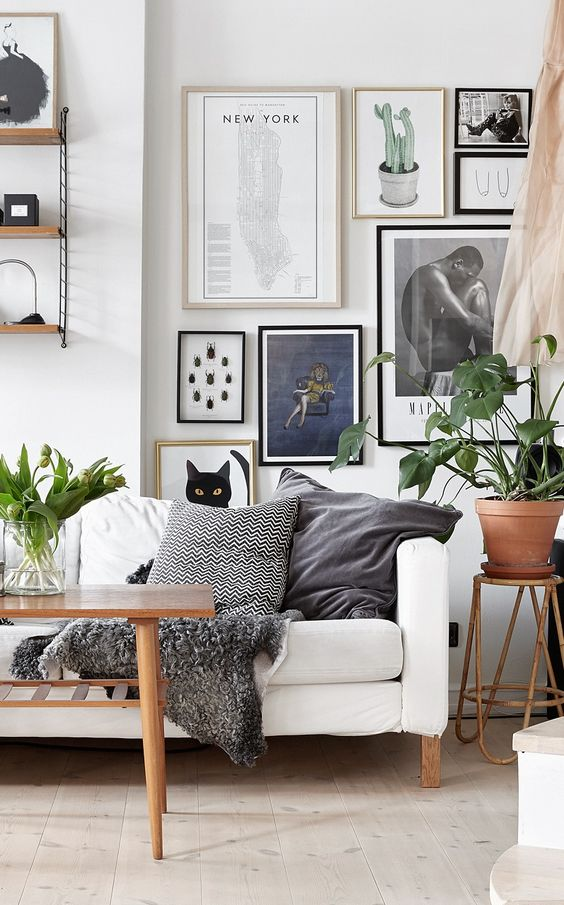 We would've loved to see a more contemporary pot, but the overall setting scream cozy.