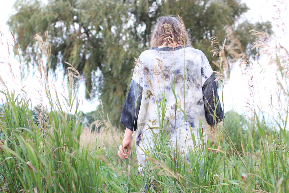 Easy Piece by slow creations :: Natural dye on organic linen and silk :: Made for me, Runa Juhanisdotter :: Photo Ela Roth