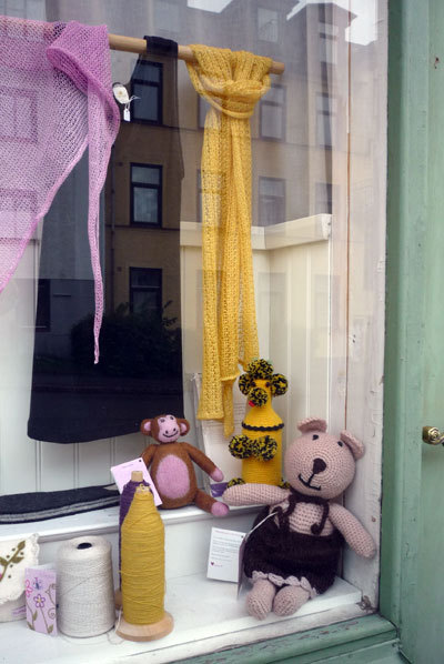 Bybaba-Circus-Elfie-Elfsborgspoodle-at-Leluma-Design.jpg