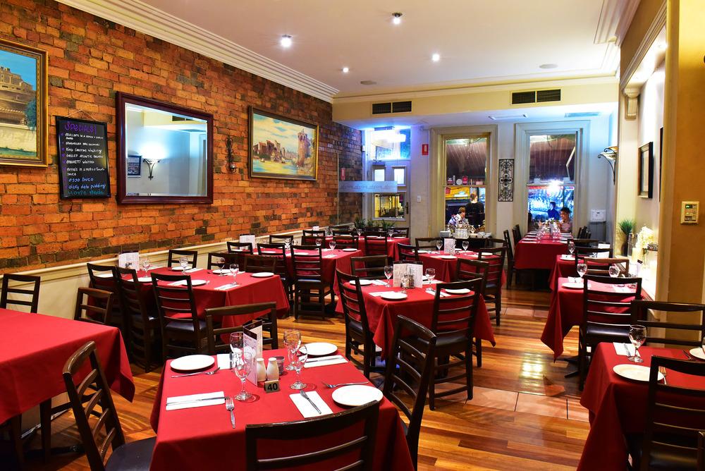Piccolo Mondo - Dining Areas