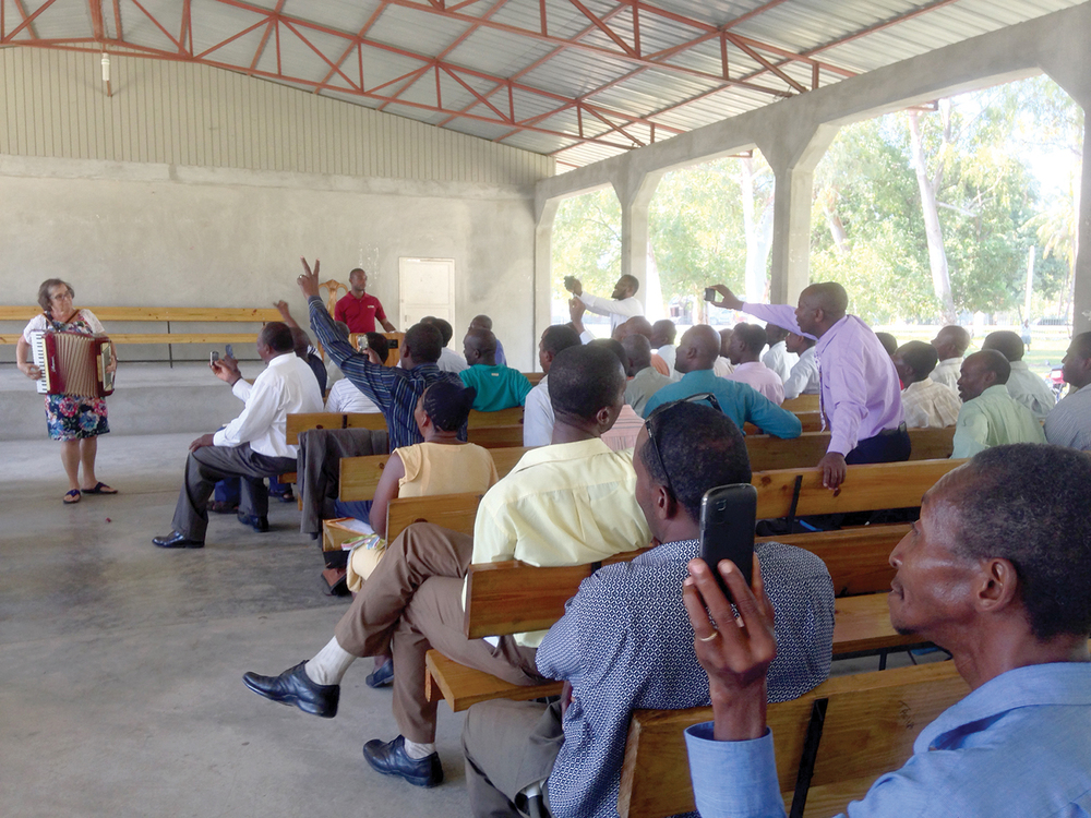 Jeanne DeTellis surprised our pastors with a song on the accordion during the pastors' training seminar in Signeau, Haiti.