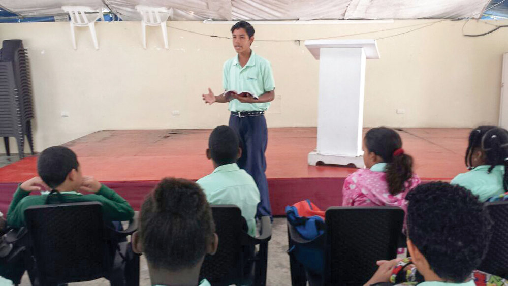 Ninth grader, Duandry Arrechedera Martínez, shared during chapel service in Bombita, Dominican Republic.