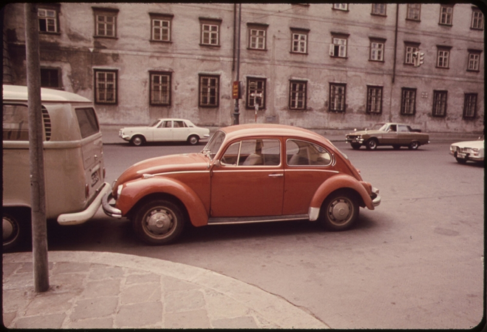Blog.VolkswagenPARKING_SPACES_ARE_HARD_TO_FIND._AS_A_RESULT_NUMEROUS_PARKING_VIOLATIONS_ADD_TO_THE_CITY'S_TRAFFIC_PROBLEMS_-_NARA_-_551912.jpg