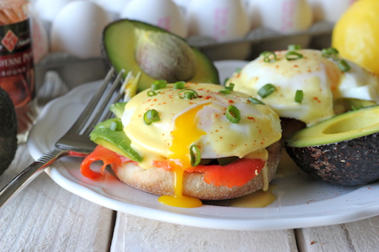 This version adds rich avocado to the salty salmon + bright hollandaise! (and how does she get the eggs so perfectly round?)