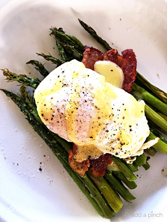 This recipe is super simple and all about that asparagus. Asparagus and eggs benedict are a natural pairing.