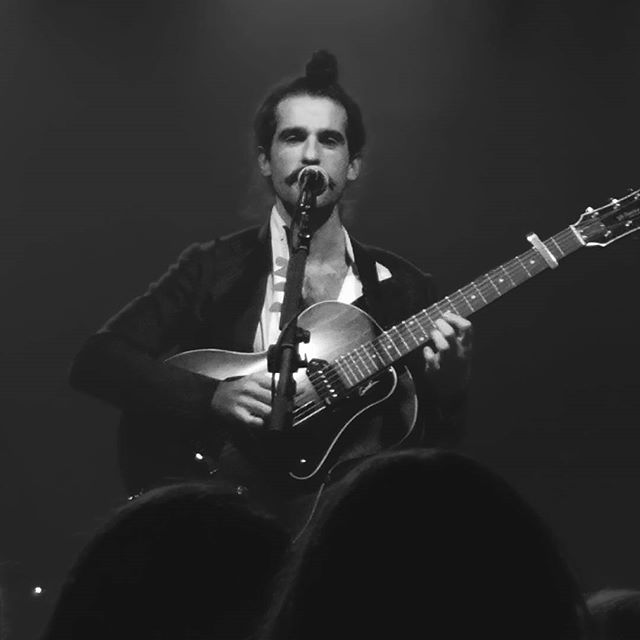 Amazing concert from @kingcharlesuk tonight. Loved the original version of Lady of the River #moreharmonica . So glad he did a Chicago show! #kingcharles #loosechangefortheboatman #kingcharlesuk PS is there a man around who loves to display his chest hair more than him? I doubt it.