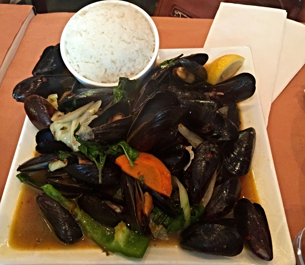 Mussels in Basil Broth