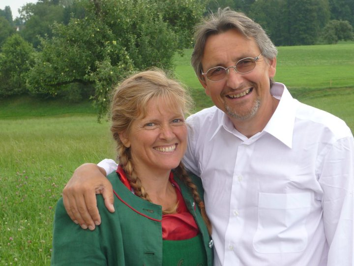 Terri und Ernst, geheiratet am 8.5.1980 in Milo, Oregon, USA. 3 Kinder und 4 Grosskinder (bis jetzt). Sie haben einiges gelernt in ihren Ehejahren, was sie gerne mit Ihnen teilen möchten.