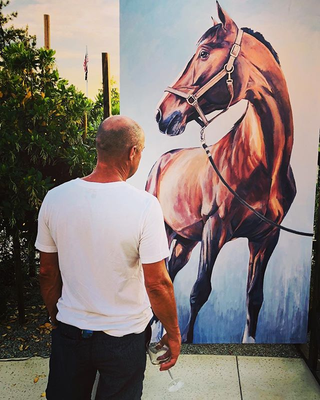 Sometimes...well most of the time...ok I might be a bit obsessed🤪...I have a high appreciation for scale and confirmation. 😜🤩🤣 #stud #horsingaround #horse #aquaman #lover #husband #equestrian #lovestory #artshow #horsesaresexy #lifeartist
