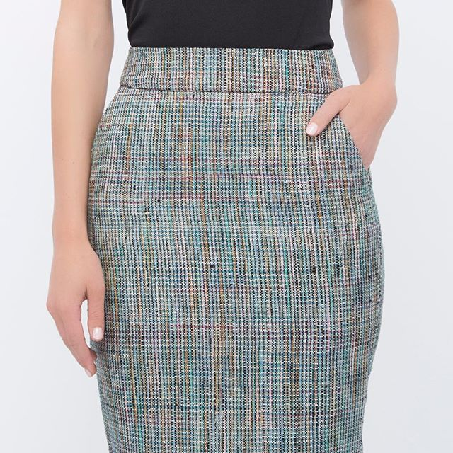 Back to work in the Tech Tweed Pencil Skirt. 💼