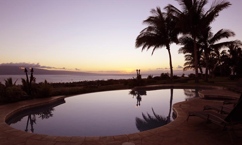 07474_HI_Maui_sunset-pool_1500px.jpg
