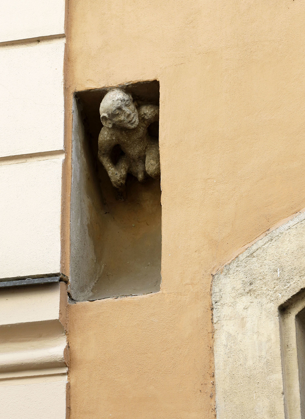 Peek-a-Boo in Bratislava