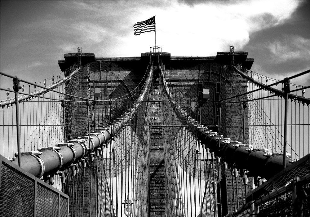 brooklyn bridge black+white