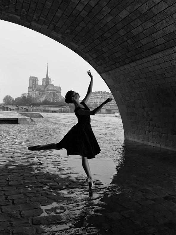 robe noire croppé.jpg
