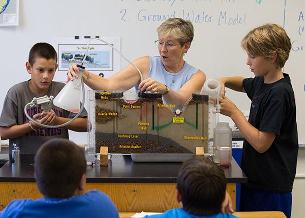 2013-09-19-debbie-lord-6th-grade-science-034.jpg