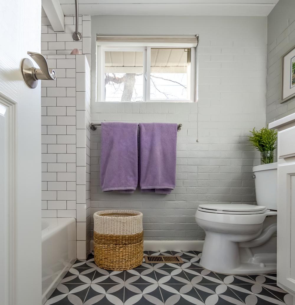 Bathroom renovation budget friendly