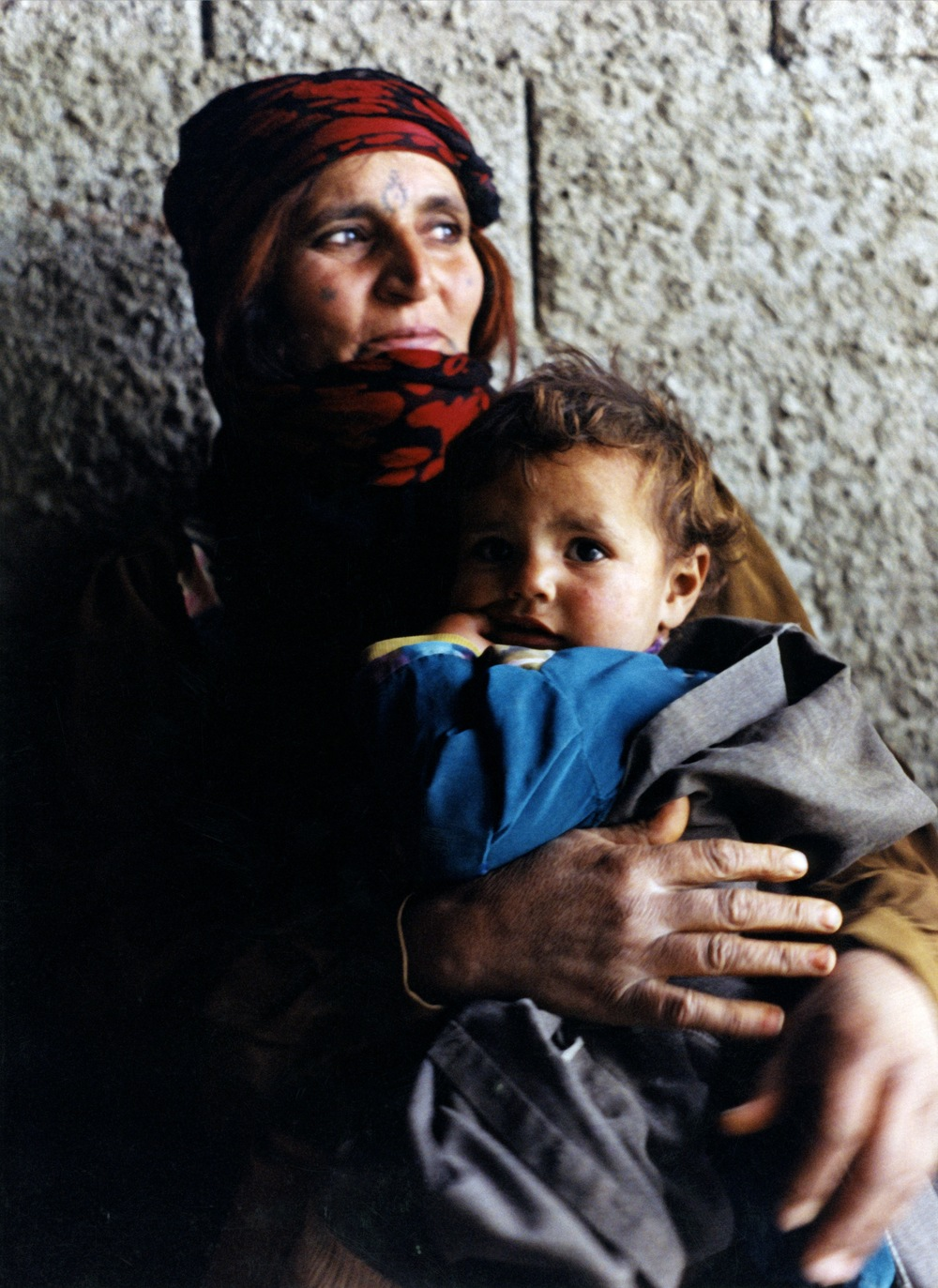 Bedu mama and child.jpg Back Cover.jpg