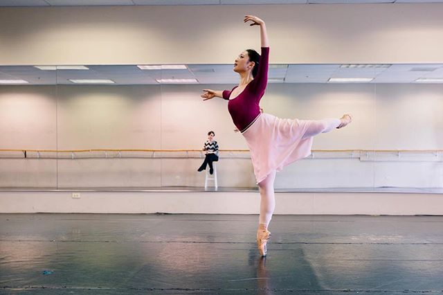 #throwback to rehearsing one of my favorite ballets, Shades of Refrain // Thrilled to premiere a new favorite The Space in Between (inspired by C.S. Lewis' The Great Divorce) along with a beautiful recreation of Four Seasons of the Soul with @ballet58 in Grand Rapids this weekend! . . . #b58seventhseason #enpointe #chidance #studiotime #techweek