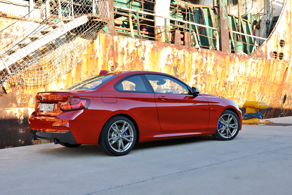 P90138097_highRes_the-new-bmw-m235i-co.jpg