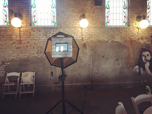 Perfect night for a wedding, in #LFK - excited to be at @abejakeslanding to celebrate tonight! 🍾🥂 #kcwedding #lawrence #lawrencewedding #photobooth #portrait #lawrencephotographer #bride #picwoodkc
