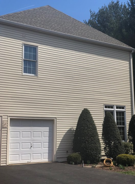 Vinyl siding lasts the longest of all siding types and is maintenance-free!