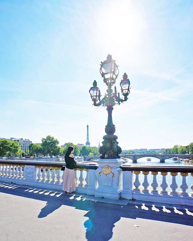 Enjoying the #seine from the incredibly elaborate #pontalexandreiii bridge