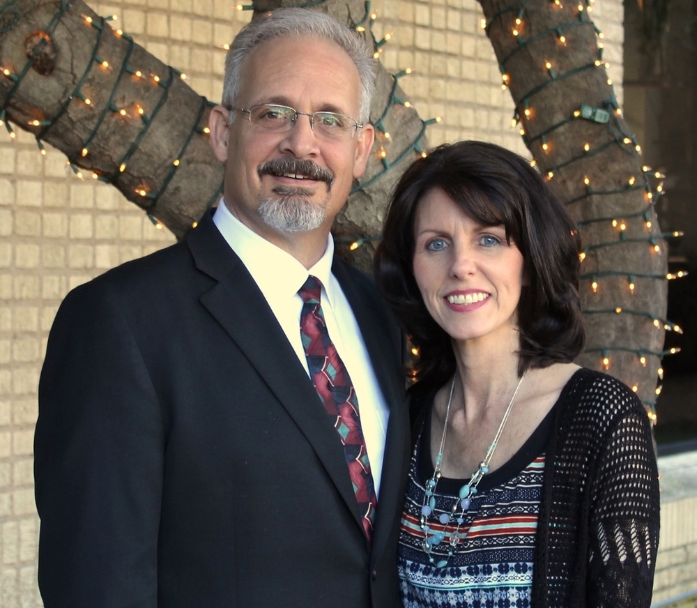 Pastor Jeff and Lori Borden.jpg