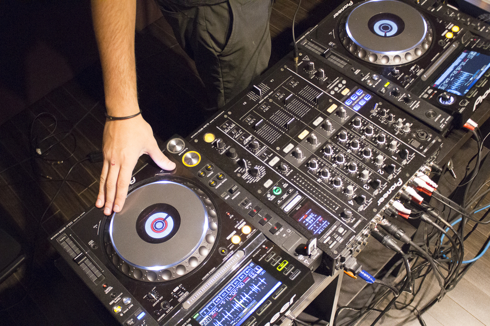 Click here to book your 1-on-1 DJ lesson