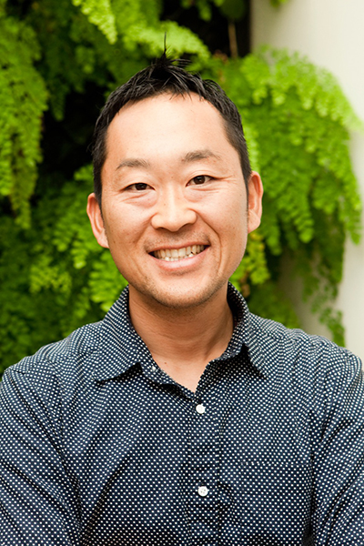 Tomo Takada,  Architect