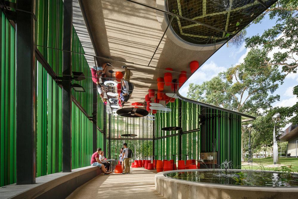 Outdoor Learning Spaces;James Cook University, Verandah Walk