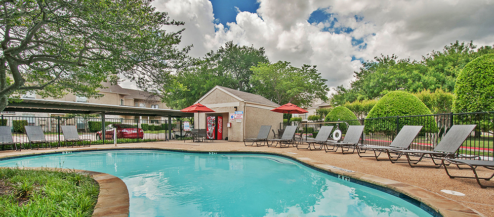 Waterford-on-the-meadow_Plano_Pool-3-HDRedit-smaller-450.jpg