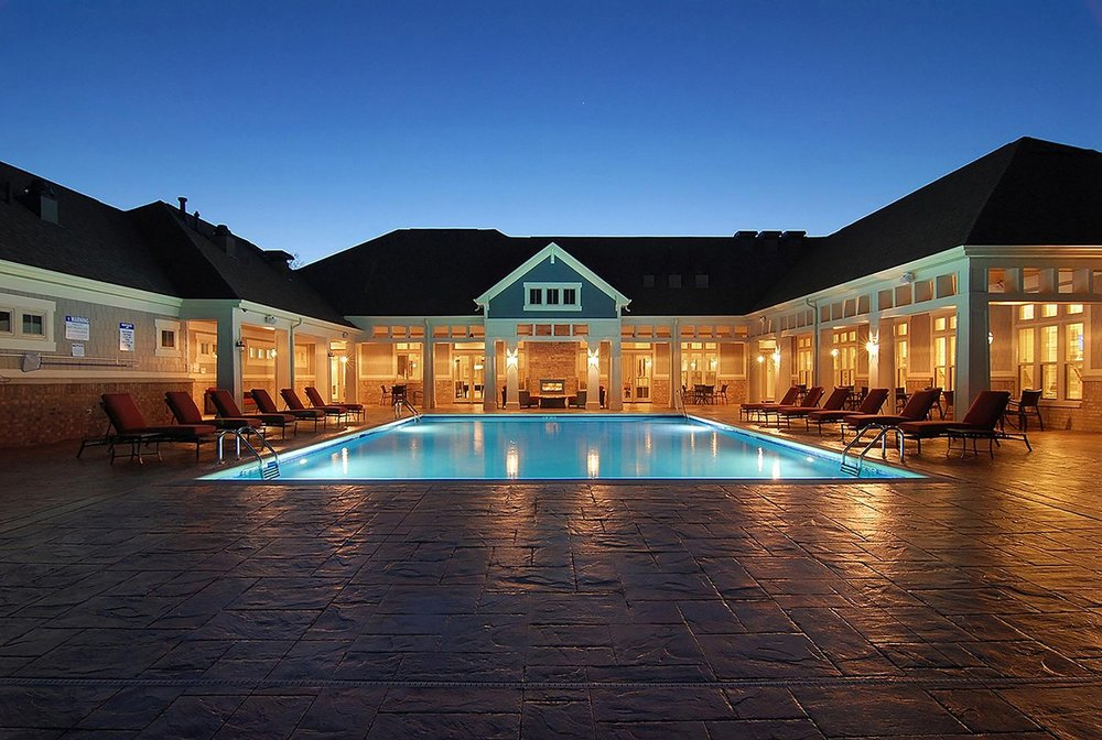 oaks_pool_-_night_shot.jpg